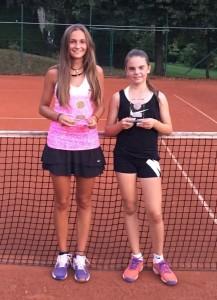 U18 weiblich: Paula Kühlmeyer, Michelle Schäfer